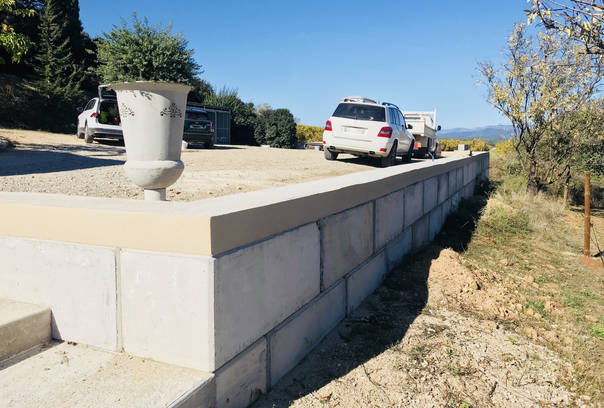 Blocs b ton empilable type lego - Bloc beton pour talus ...